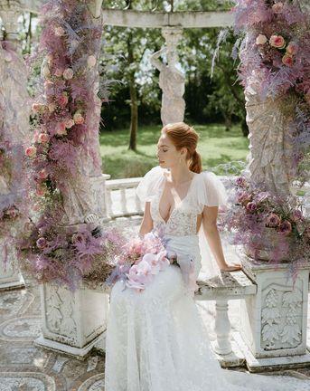 淡紫色的婚礼鲜花