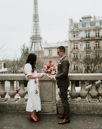 C5 Modern Paris Elopement Cover