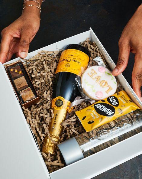 婚礼礼盒由Araa