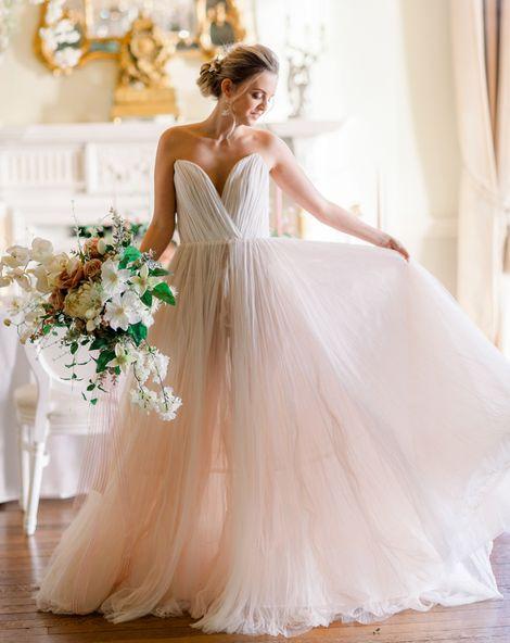 C5 Coloured wedding dresses