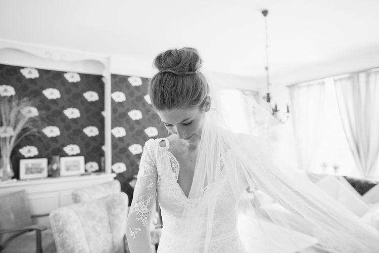 "Image by <a href=""https://www.cottoncandyweddings.co.uk/"" target=""_blank"">Cotton Candy Photography</a>"