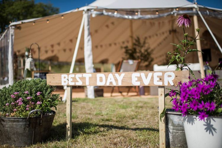 DIY Welcome Sign for your Wedding Day