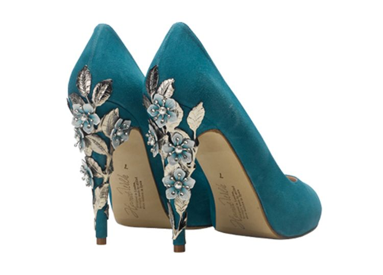 "Shoes by <a href=""https://www.harrietwilde.com/"" target=""_blank"">Harriet Wilde</a>"
