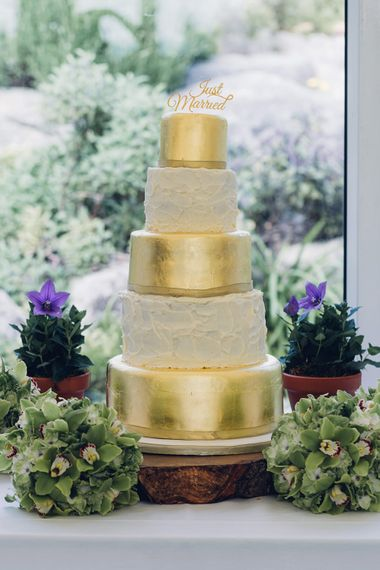 Five Tier Wedding Cake with Gold Foil Layers | Miss Gen Photography