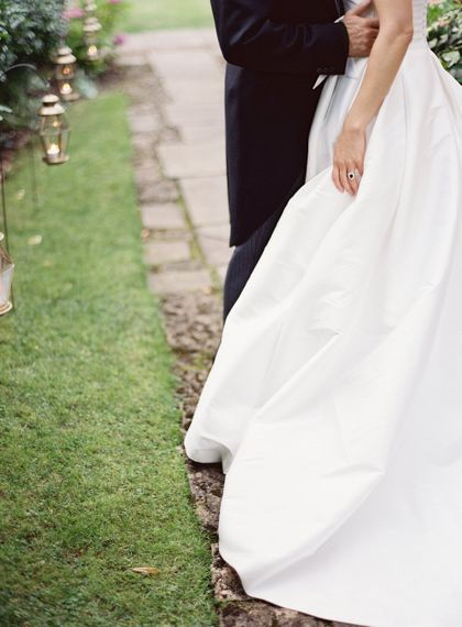 Bride In Structured Gown By Jesus Peiro // Image By Taylor And Porter