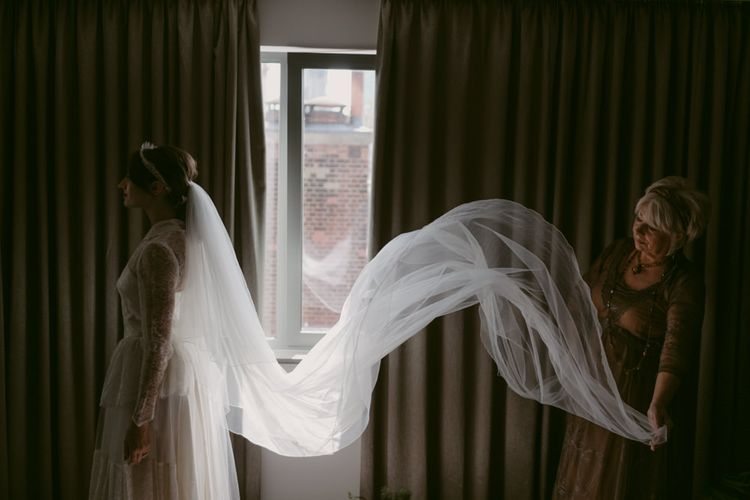 Penies Vintage Veil   Hoxton Hotel Wedding   Images by Millar Cole