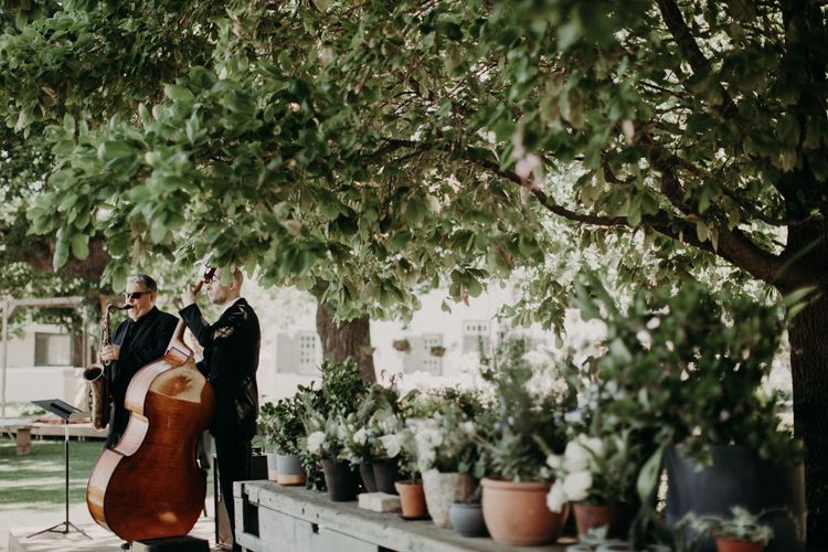Wedding Entertainment | Stylish Outdoor Wedding at The Oaks Estate, Greyton, South Africa | Fiona Clair Photography | Ebert Steyn Films