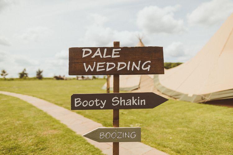 Wedding Signs | PapaKåta Tipi at Angrove Park North Yorkshire | Matt Penberthy Photography