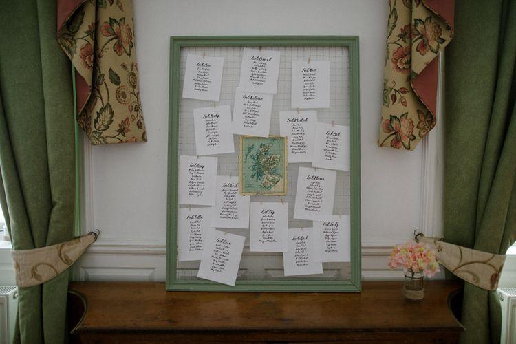 Chicken Wire Table Plan | Woodland Themed Wedding at Achnagairn Estate near Inverness, Scotland | Zoe Alexander Photography
