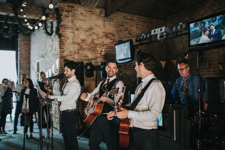 Wedding Band | Fishley Hall Rustic Barn Wedding | Darina Stoda Photography