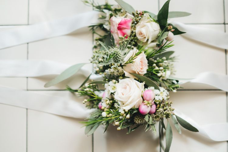 Delicate Buttonholes   Pastel Wedding at Tommy Vitello, Italy   Planning & Styling by Agnese Sogna Sempre   Matrimoni all'Italiana Photography   Amu Wedding Videos