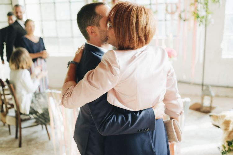 Groom & Mother of the Groom   Pastel Wedding at Tommy Vitello, Italy   Planning & Styling by Agnese Sogna Sempre   Matrimoni all'Italiana Photography   Amu Wedding Videos