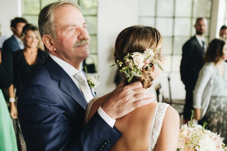 Bridal Up D with Fresh Flowers   Pastel Wedding at Tommy Vitello, Italy   Planning & Styling by Agnese Sogna Sempre   Matrimoni all'Italiana Photography   Amu Wedding Videos