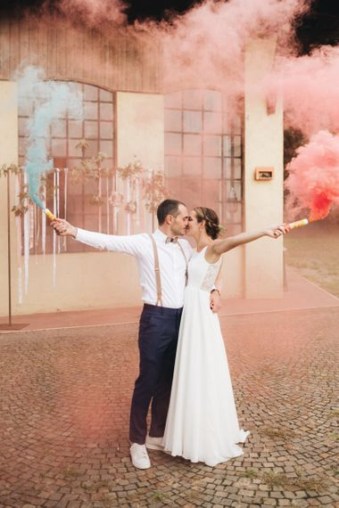Bride & Groom Smoke Bomb Portrait   Bride in Nadia Manzato Gown   Groom in Braces & Bow Tie   Pastel Wedding at Tommy Vitello, Italy   Planning & Styling by Agnese Sogna Sempre   Matrimoni all'Italiana Photography   Amu Wedding Videos