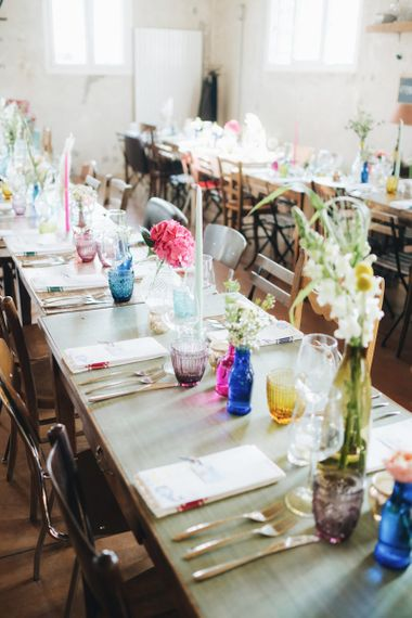 Table Decor with Flower Stems in Coloured Vases   Pastel Wedding at Tommy Vitello, Italy   Planning & Styling by Agnese Sogna Sempre   Matrimoni all'Italiana Photography   Amu Wedding Videos