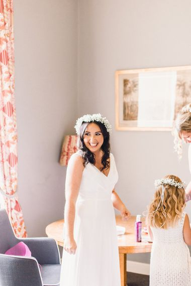 The Bride | Green Wheat Floral crowns | Photography by Jessica Reeve.