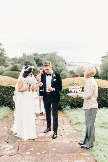 Reception welcome drinks | Floral Crown by Green Wreath | Mrs Bowtie | Photography by Jessica Reeve.