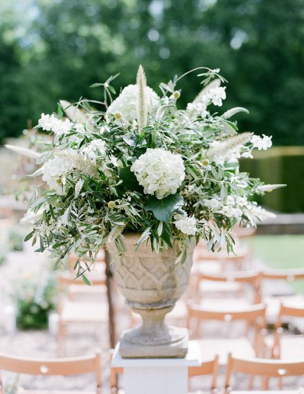 Greenery & White Floral Arrangement | Classic Green & White Outdoor Country Wedding at Voewood in Norfolk, Planned & Styled by Vanilla Rose Weddings & Events | Julie Michaelsen Photography