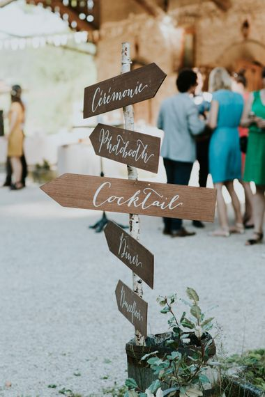 Wooden Wedding Sign | Chic Rustic French Wedding at Le Morimont Styled by Féelicité | Photography by Chloe