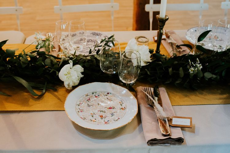 Rustic Place Setting | Chic Rustic French Wedding at Le Morimont Styled by Féelicité | Photography by Chloe