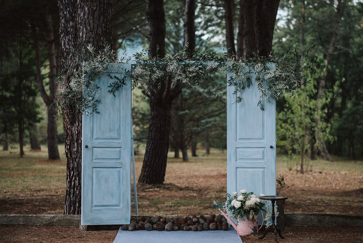 Rustic Old Doors Outdoor Altar & Flowers