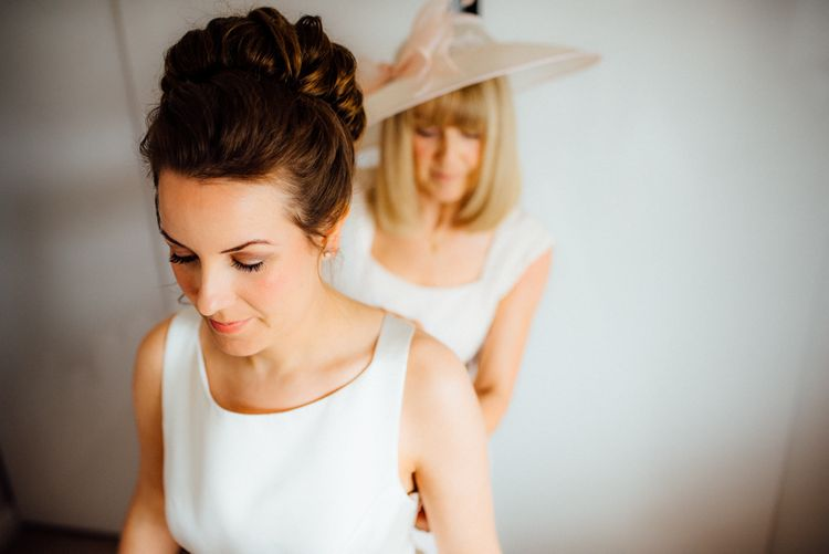 Getting Ready | Bridal Preparations | Bride in Pronovias Tami Wedding Dress | Michelle Wood Photography