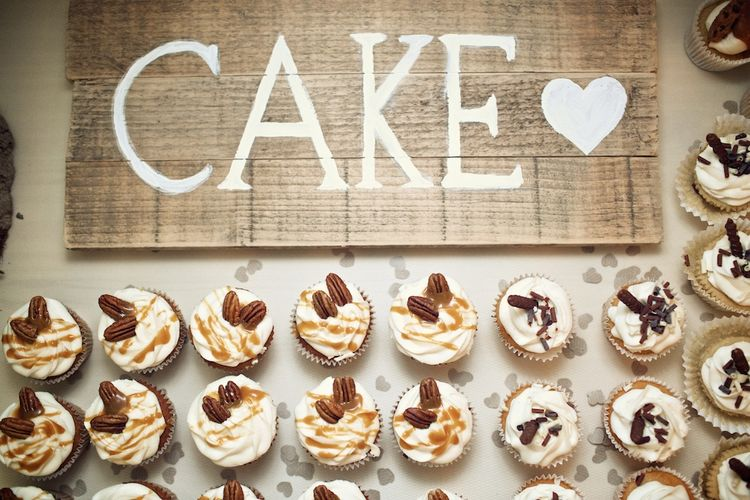 Cup Cakes | Vintage Weddings Photography