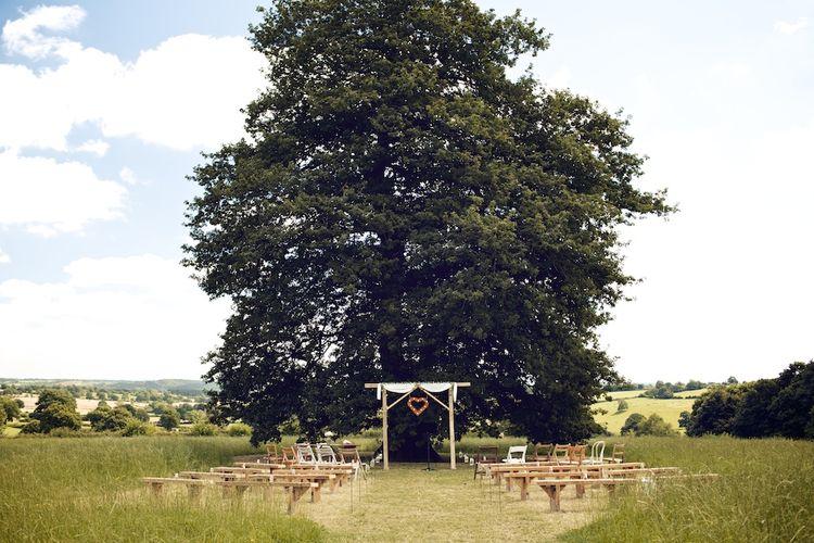 Outdoor Wedding Ceremony | Vintage Weddings Photography