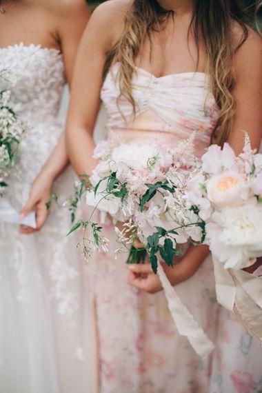 "Bridesmaids | Image by <a href=""https://www.mandjphotos.com/"" target=""_blank"">M&J Photography</a>"