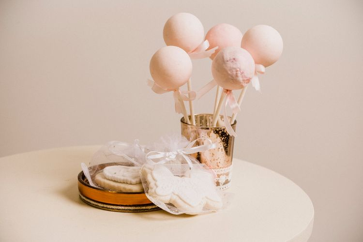 Mama Cakes | Cake Pops and Biscuit Favours