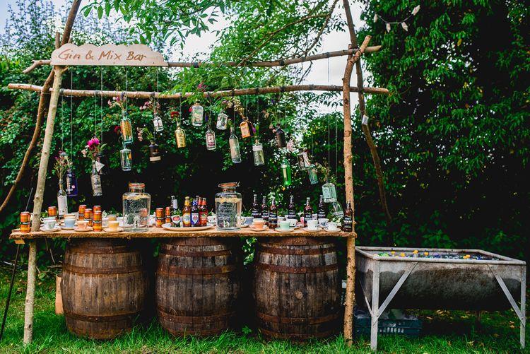 DIY Bar | Bright At Home Tipi Wedding | Barney Walters Photography