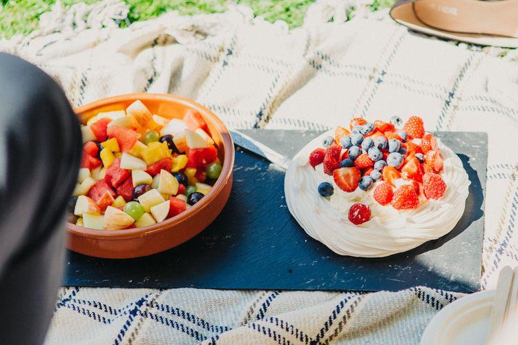 Pavlova & Fruit