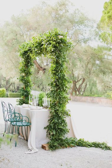 Table Scape   Greenery on the French Riviera   Purewhite Photography   D'amour et de deco Styling