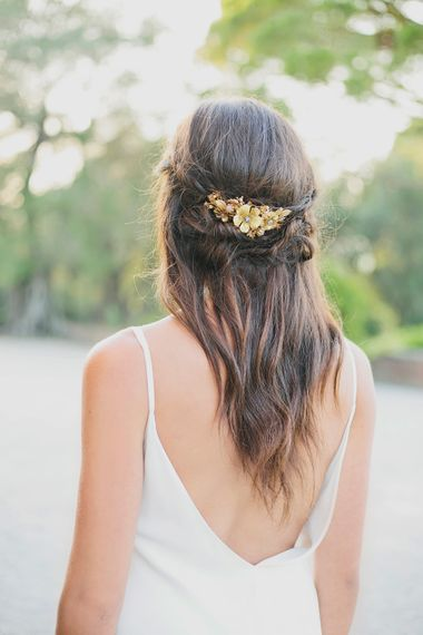 Gold Mignonne Handmade Hairpiece   Greenery on the French Riviera   Purewhite Photography   D'amour et de deco Styling
