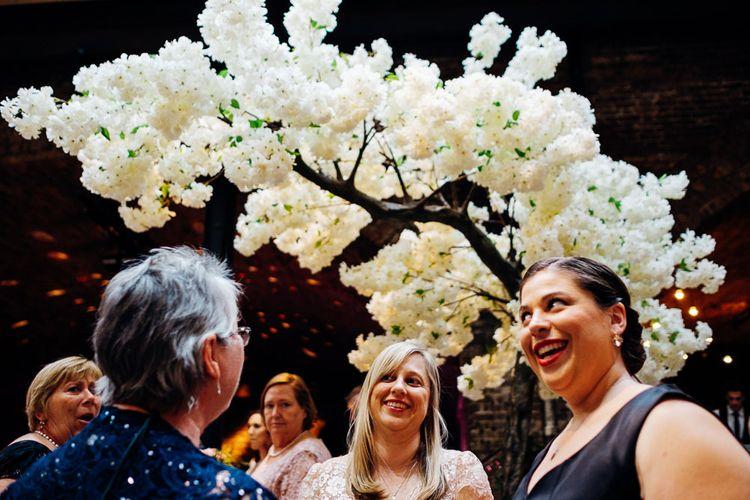 Urban Wedding at Village Underground, London | Marianne Chua Photography