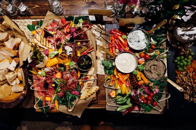 Sharing Platters | Urban Wedding at Village Underground, London | Marianne Chua Photography