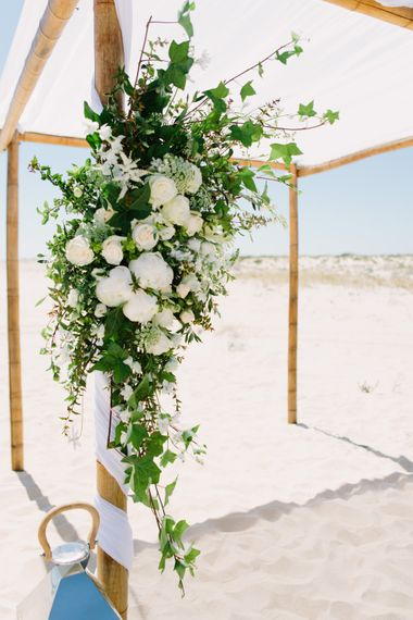 Altar Wedding Flowers | Jade Osborne Photography | The Amazing Rabbit Films