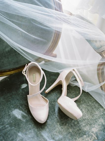 Bridal Accessories   A Romantic Pastel Wedding at Dauntsey Park in the Wiltshire English Countryside   Imogen Xiana Photography