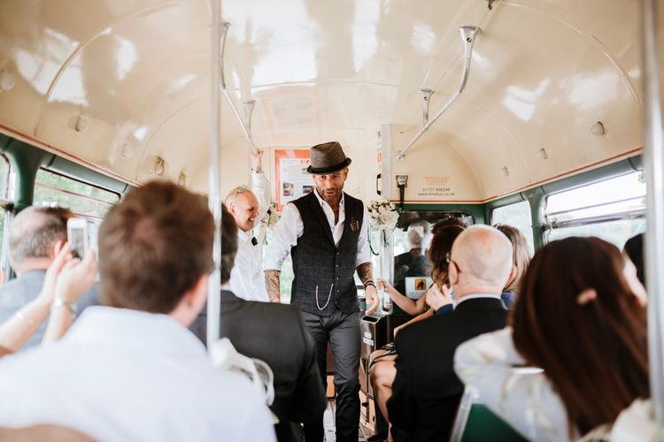 Travelling in style | Wedding bus | Farmhouse at Redcoats | Green Antlers Photography