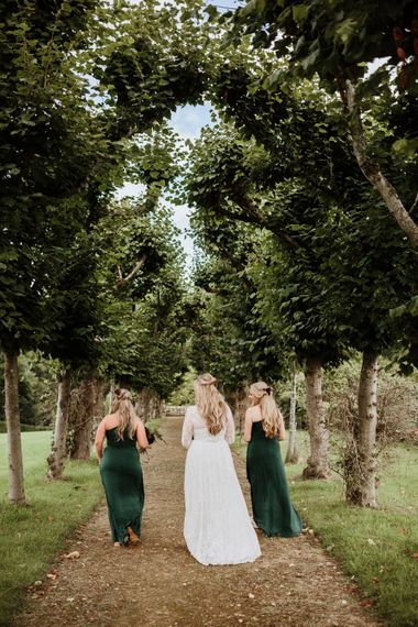 Beautiful Emerald Bridesmaid's with their Bride | Farmhouse at Redcoats | Green Antlers Photography