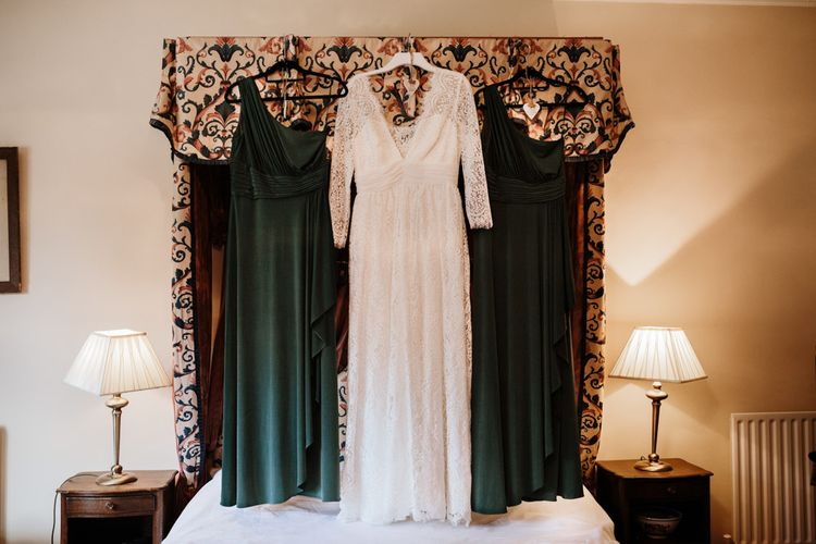 Beautiful wedding and bridesmaid dresses | Farmhouse at Redcoats | Green Antlers Photography