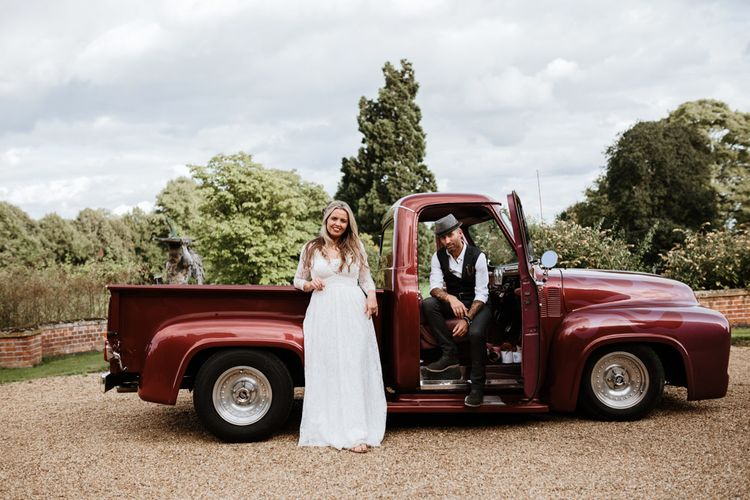 Retro Pick Up for Great Photos | Farmhouse at Redcoats | Green Antlers Photography