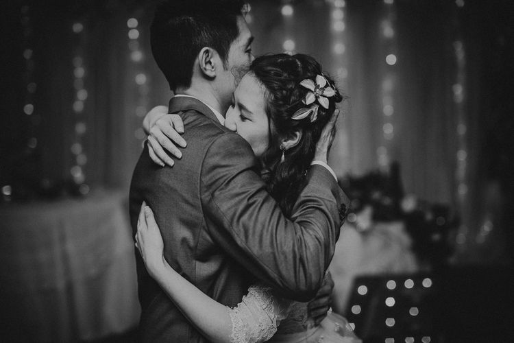 Bride & Groom First Dance | Images By Matt Horan Photography