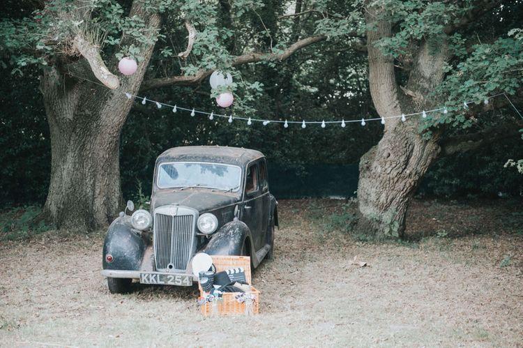 DIY Antique Car Photo Booth