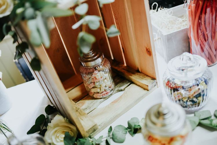Sweet Table | Cooling Castle Barn Wedding | Michelle Cordner Photography
