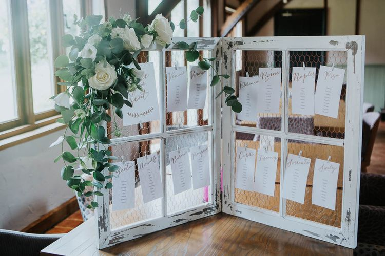 Frame & Chicken Wire Table Plan with Greenery & White Floral Decor | Cooling Castle Barn Wedding | Michelle Cordner Photography