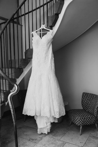 Lace Mori Lee Gown | Cooling Castle Barn Wedding | Michelle Cordner Photography