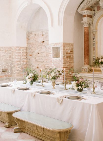 """Creative Direction by <a href=""""https://www.averybelovedwedding.com/"""" target=""""_blank"""">A Very Beloved Wedding</a> 