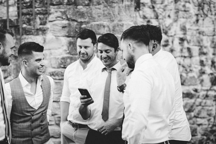 Wedding Guests   Outdoor Wedding at Borgo Bastia Creti in Italy   Paolo Ceritano Photography