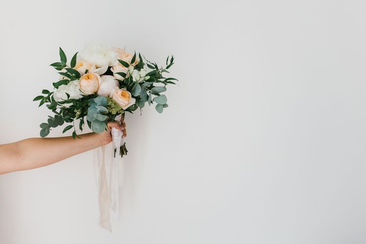 White & Peach Bouquet | Chris Barber Photography